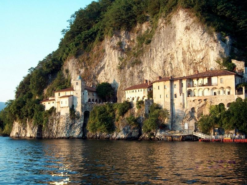 Villa par la Novara mer